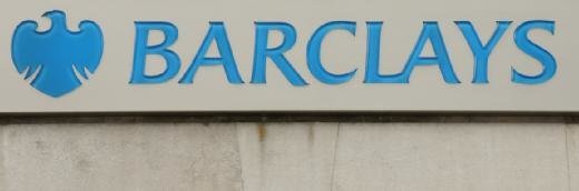 Barclays Bank Sucmumbs到Apple Pay
