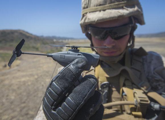 美国海军陆战队正在测试口袋大小的直升机无人机