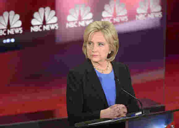 FBI探讨与克林顿的私人服务器相关的新电子邮件
