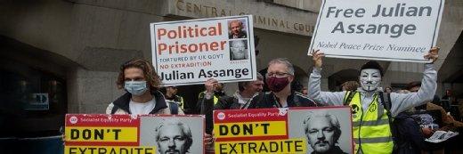 朱利安·索兰举行了15,000份文件,以防止对美国政府的伤害