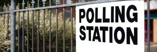 政党收获个人数据以在选民上创建个人资料,大多数错误