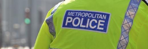 数据保护看门狗呼叫警察手机停止和搜索的控件