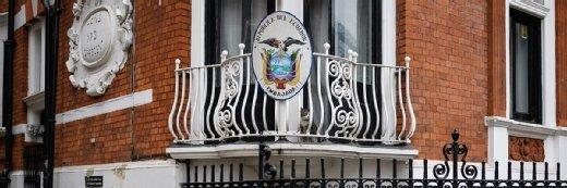 """FBI扣押了厄瓜多尔大使馆的""""合法特权""""的材料,索赔朱利安·索兰的律师"""